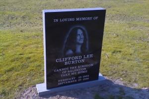 photo of Cliff Burton's Gravestone
